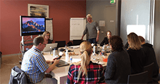 docent Joost Schrickx van in-company workshop Filmen met de iPhone